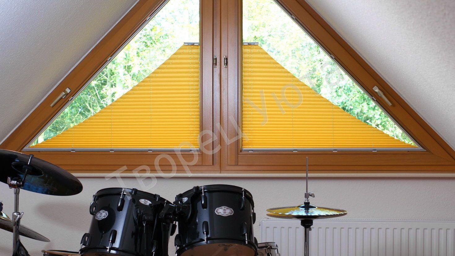 Треугольное окно своими руками